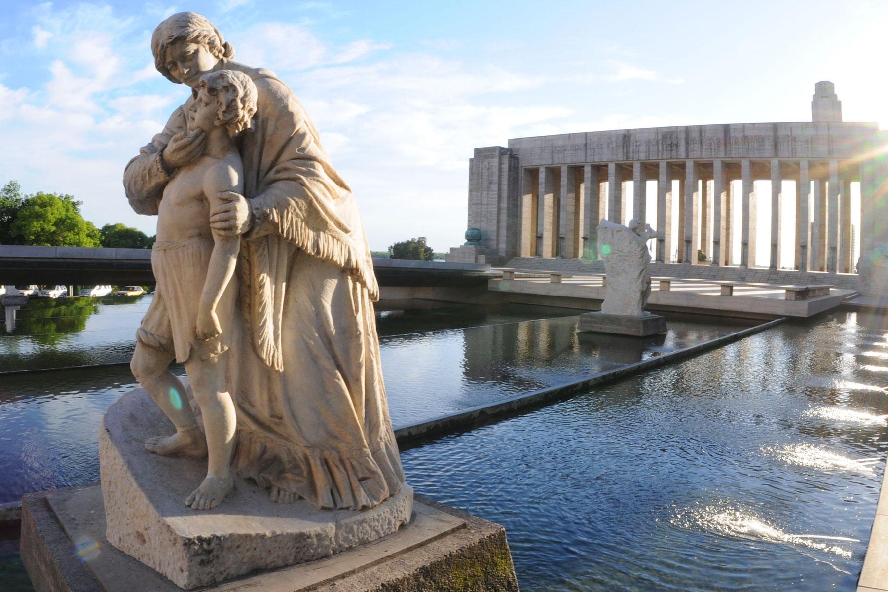 Estatuas de Lola Mora y Pasaje Juramento en Rosario